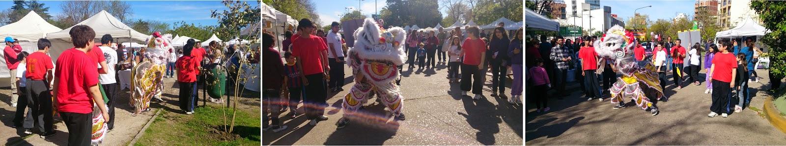 2.Danza del León por todos los puestos de la Plaza
